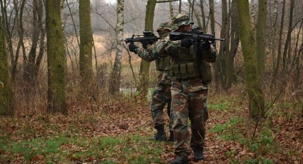 ćwiczenia grup paramilitarnych